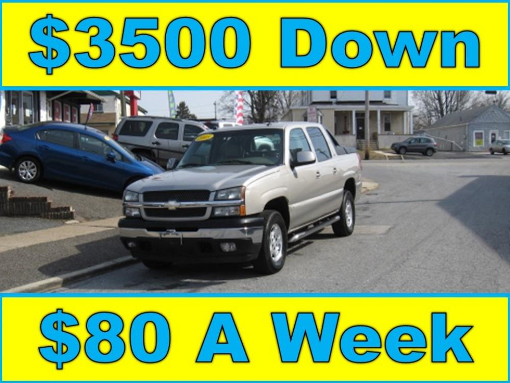 2005 Tan /Gray Chevrolet Avalanche 1500 LT (3GNEC12Z15G) with an 5.3L V8 OHV 16V FFV engine, 4-Speed Automatic Overdrive transmission, located at 577 Chester Pike, Prospect Park, PA, 19076, (610) 237-1015, 39.886154, -75.302338 - Photo #0