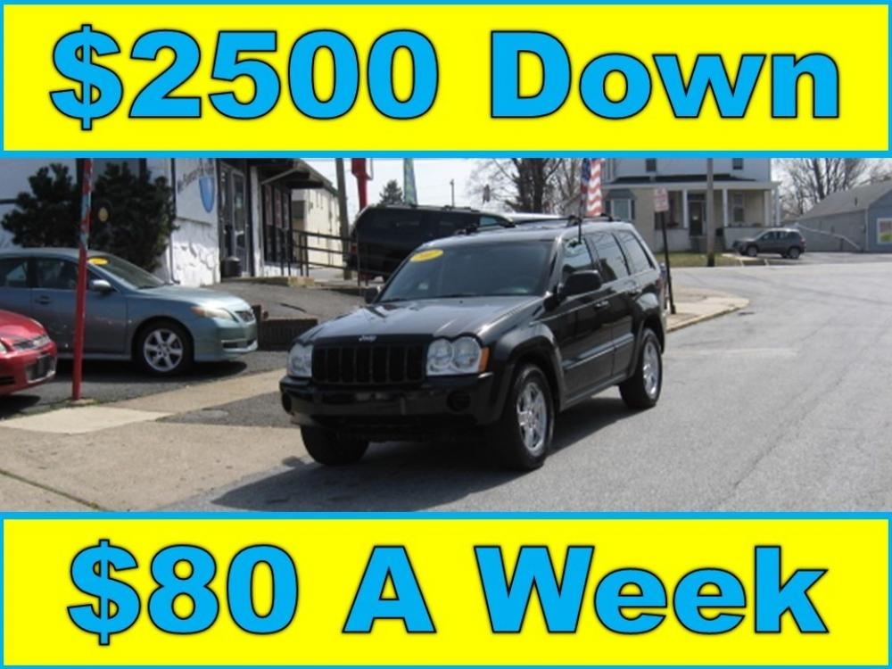 2007 Black /Gray Jeep Grand Cherokee Laredo 4WD (1J8GR48K77C) with an 3.7L V6 SOHC 12V engine, 5-Speed Automatic Overdrive transmission, located at 577 Chester Pike, Prospect Park, PA, 19076, (610) 237-1015, 39.886154, -75.302338 - Photo #1
