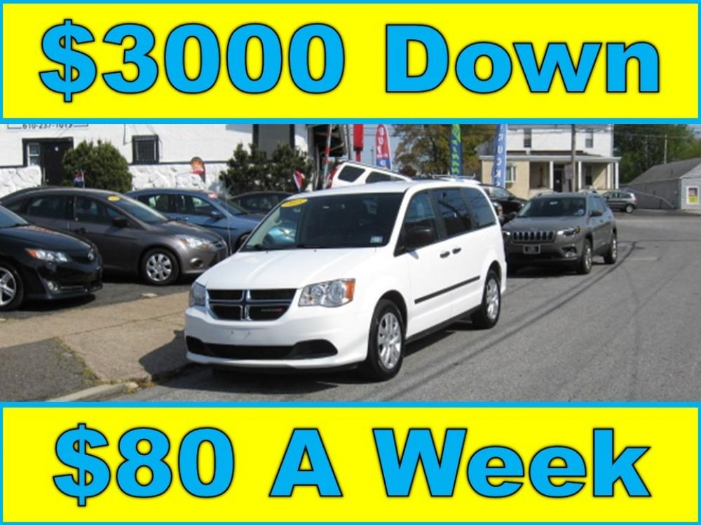 2015 White /Gray Dodge Grand Caravan SE (2C4RDGBG2FR) with an 3.6L V6 DOHC 24V engine, 6-Speed Automatic transmission, located at 577 Chester Pike, Prospect Park, PA, 19076, (610) 237-1015, 39.886154, -75.302338 - Photo #0